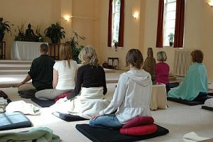 Mindfulness, gaia house, meditation, retreat